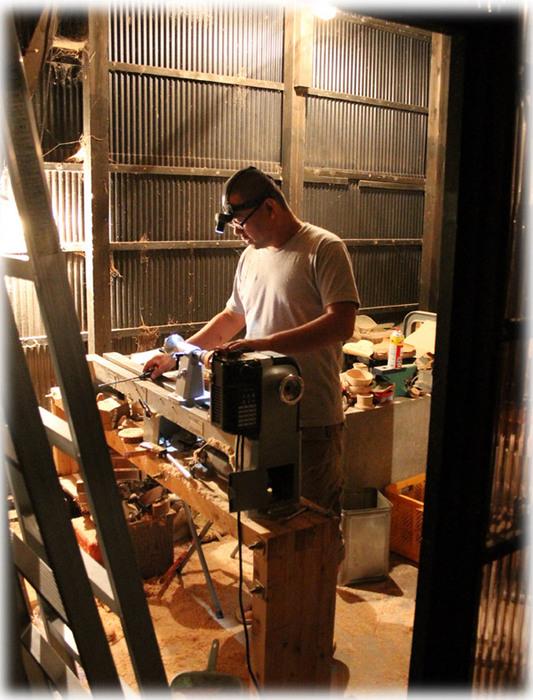 夜の木工場3