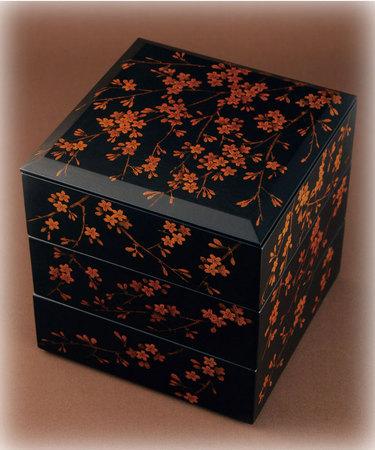 桜の三段重箱 国産漆