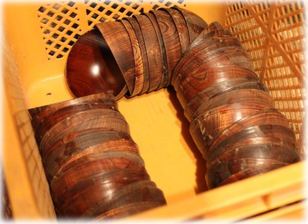 木工旋盤での研磨3