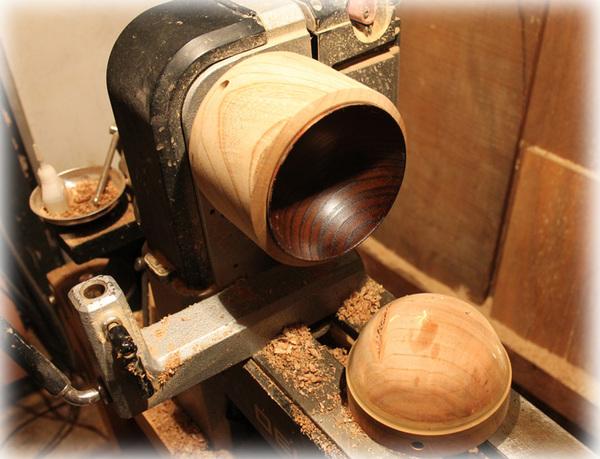 木工旋盤での研磨5