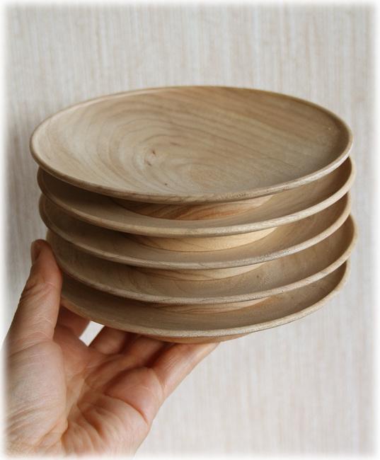 クス材の銘々皿