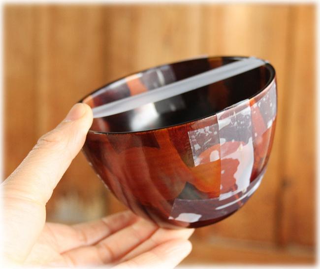 修理中の漆のフリーカップ
